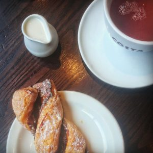Autumn Content Ideas - Coffee and croissant
